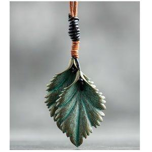 New Vintage Stunning Metal Leaf  Leaves Necklace
